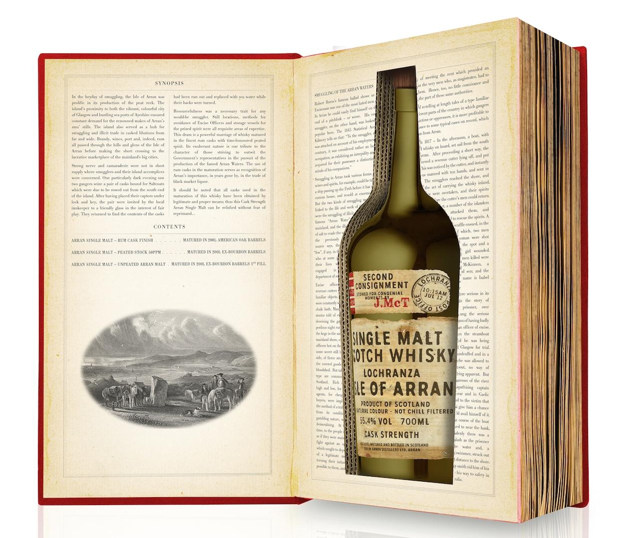 Är det en bok eller en flaska whisky? Med Arran Smuggler's Series (här i sin andra utgåva) har destilleriet tagit konsten att göra spektakulära förpackningar till en ny nivå.
